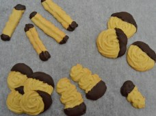 Cinnamon & orange Viennese biscuits: a selection of shapes and sizes