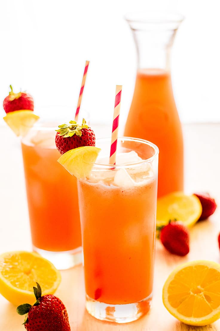 You need this Strawberry Lemonade for Two to be a part of your summer!