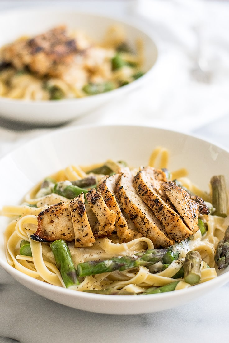 This Asparagus and Chicken Pasta is the BEST pasta for spring!! | Recipe for Two | Dinner for Two | Easy Pasta |