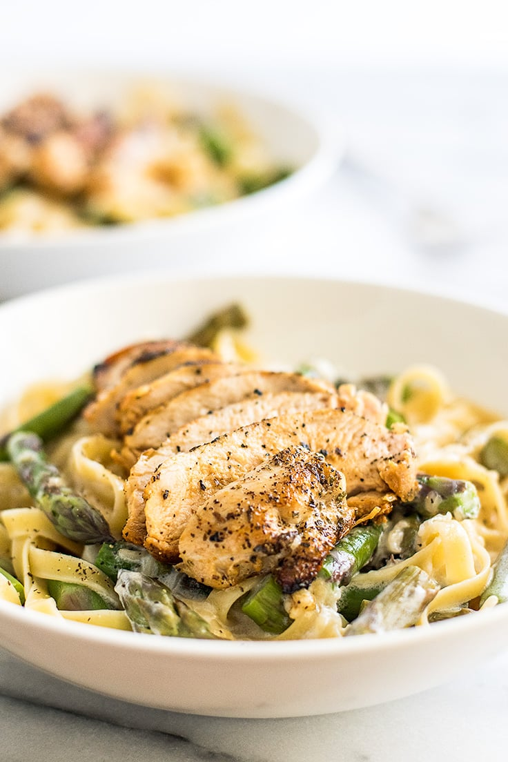 This creamy. cheesy Chicken and Asparagus Pasta is one of my family's favorite pastas! | Recipe for Two | Dinner for Two | Easy Pasta |