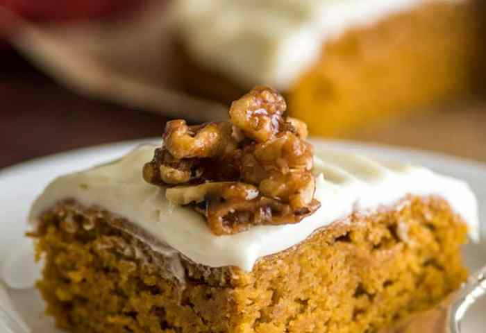 Mini Pumpkin Cake With Cream Cheese Frosting Baking Mischief