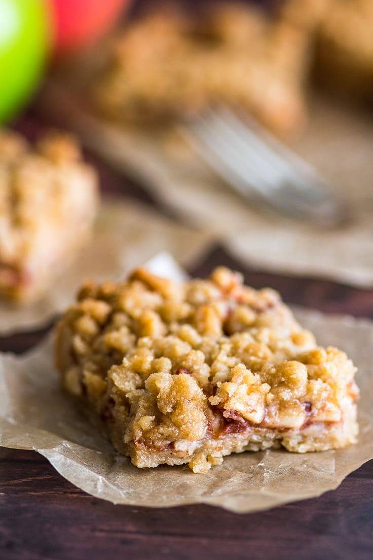Apple pie bar slice.