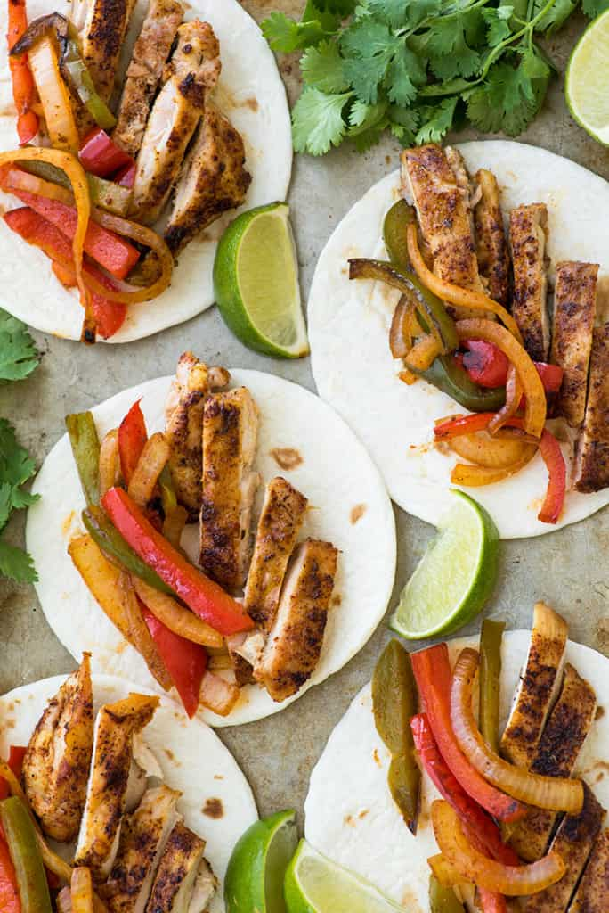 Overhead photo of easy chicken fajitas.