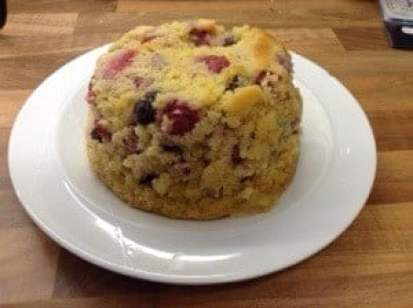 Slow Cooker Raspberry and Blueberry Cake