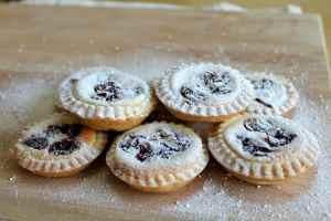 Cranberry Cheesecake Pies