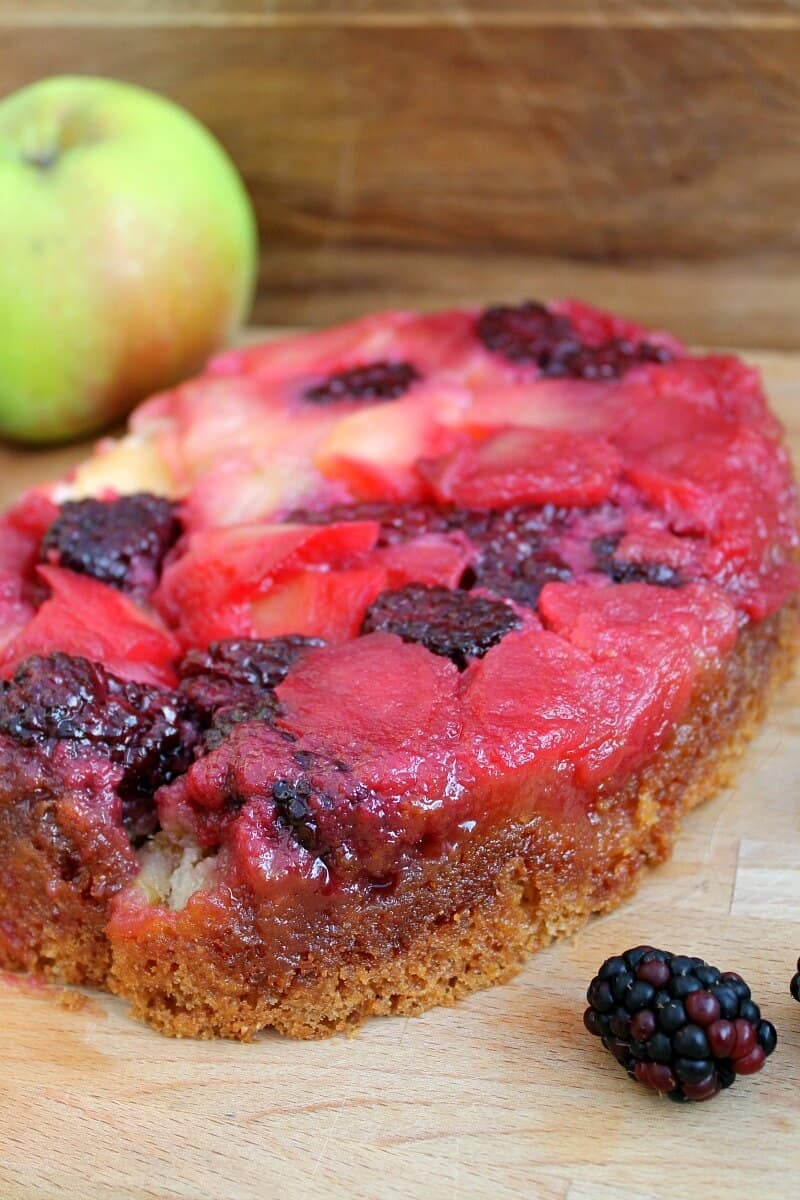 Slow Cooker Blackberry and Apple Cake