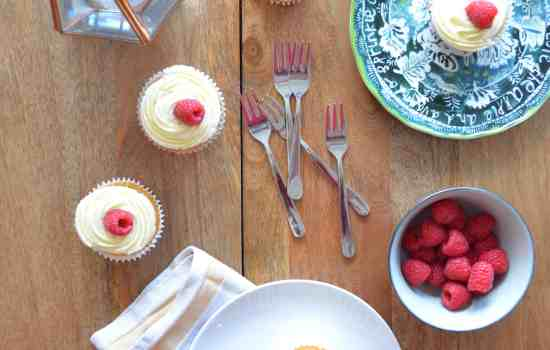 Lemon Curd and Raspberry Cupcakes