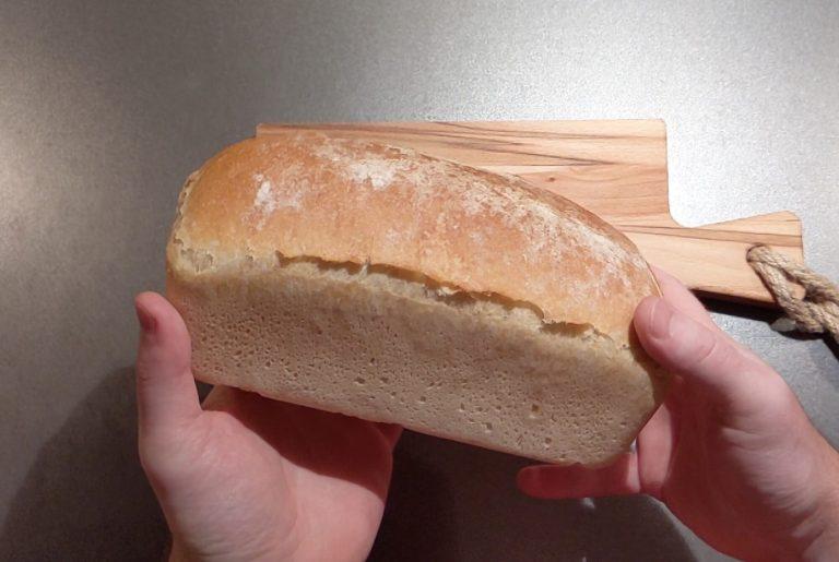 Je eerste brood: Witbrood uit de bus