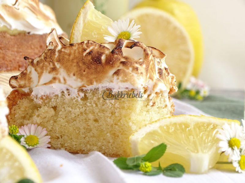 Limoncello cream-Meringue cake