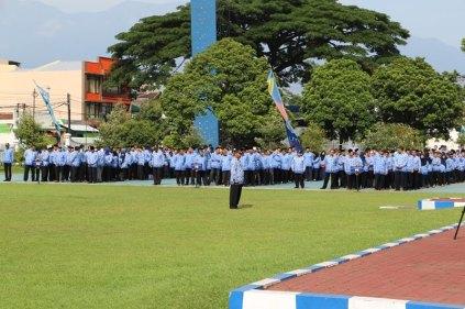 Upacara HUT ke-44 KORPRI Tahun 2015 Universitas Negeri Malang (UM)