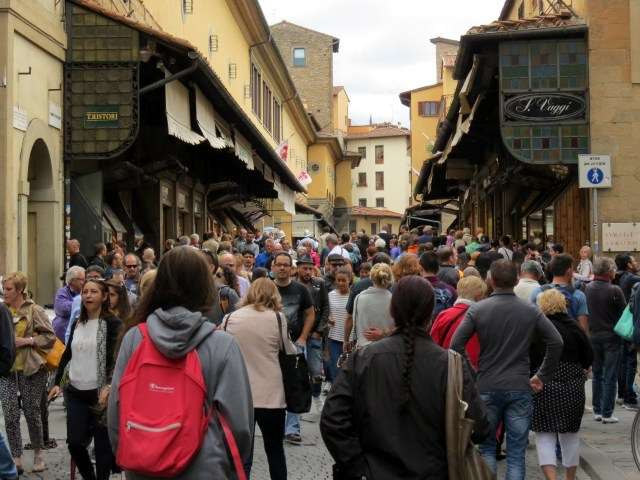 Ponte Vecchio at 4 pm - it's a sea of people