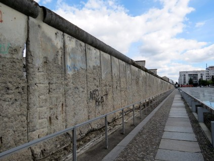 Wall leading up to Checkpoint Charlie