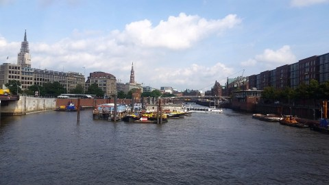 16.1472912182.beautiful-saturday-in-hafencity