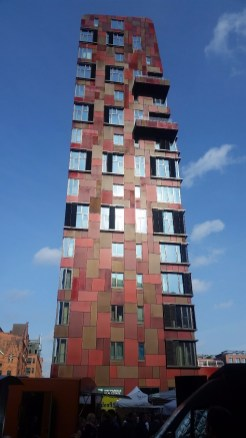 16.1472912182.cool-building-in-hafencity