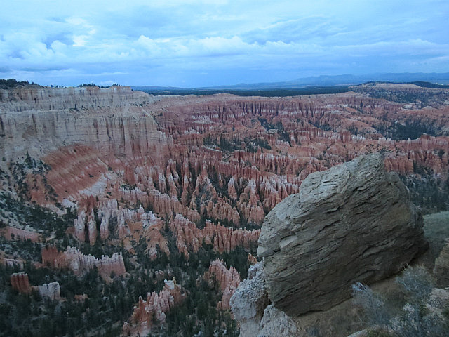 9.1377959797.the-silent-city-at-bryce-point