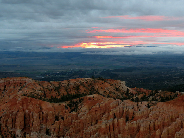 9.1378046210.sunset-at-bryce-amphitheater