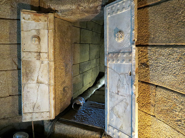 11.1410599571.the-tomb-of-seuthus-iii