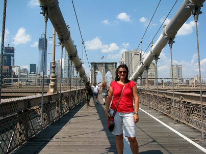 5.1346496480.walking-across-the-brooklyn-bridge