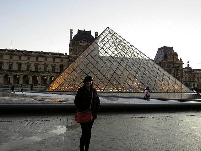 7.1355787311.the-pyramid-at-the-louvre