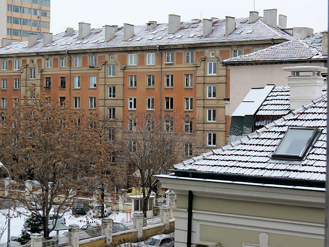 7.1355936416.i-woke-up-today-to-rooftops-dusted-with-snow