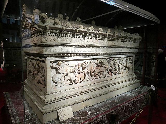 7.1357148115.alexander-sarcophagus