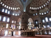 7.1357238401.1-inside-the-blue-mosque
