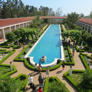 8.1368362768.amazing-grounds-at-the-getty-villa