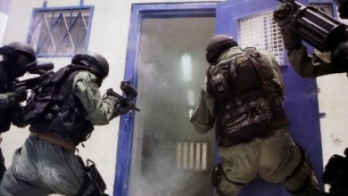 """صورة قوات القمع تقتحم سجن """"عسقلان"""""""