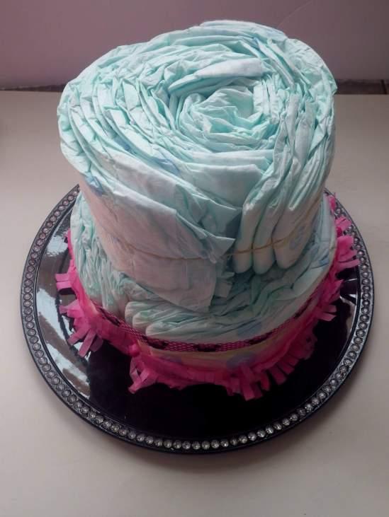 diy diaper cake second layer