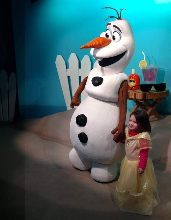 disney live stage shows meeting olaf