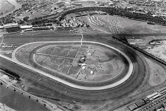 Neg No 86/37938 29-11-1986 Visit of Pope John Paul II to Australia. Aerial view of the papal Mass at Flemington Race Course [Book - Witness]