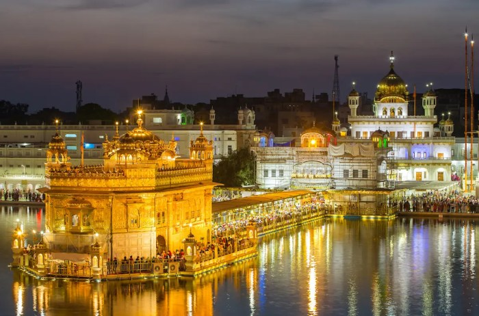 An image shows the icon Golden Temple which is found in the Indian state of Pubjab.