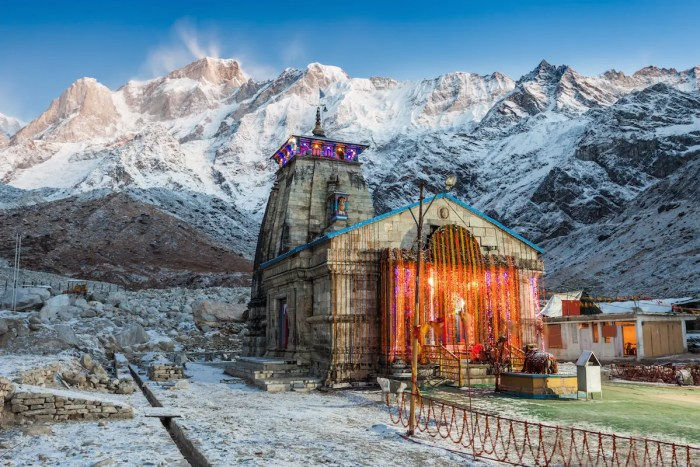 An image shows The Kedarnath Temple before sunrise. It is a Hindu temple dedicated to Shiva in the Indian state of Uttarakhand.