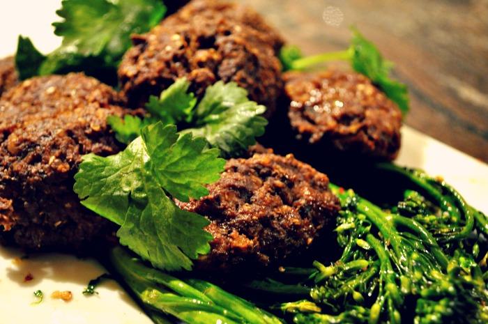 mushroom-meatballs-vegan-vegetarian