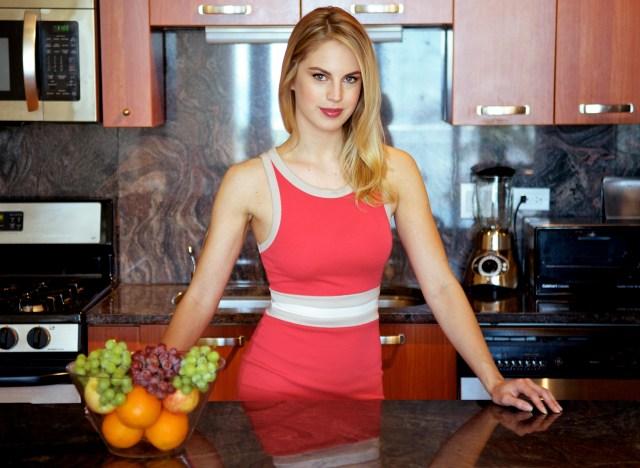 sarah-baker-image-consultant-model