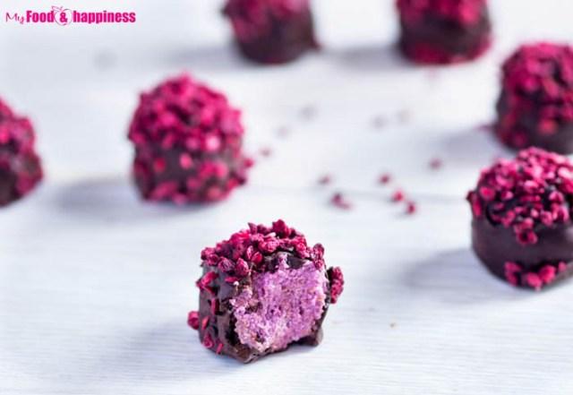 No-Bake-Raspberry-Chocolate-Truffles-1