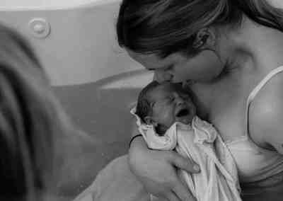 photography-edmonton-doula-baby-birthpool