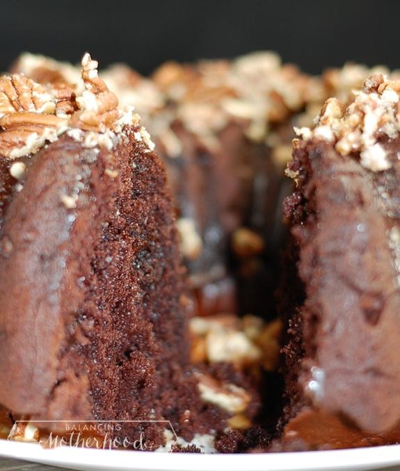 chocolate caramel pecan cake