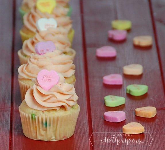 conversation heart valentine's day cupcakes