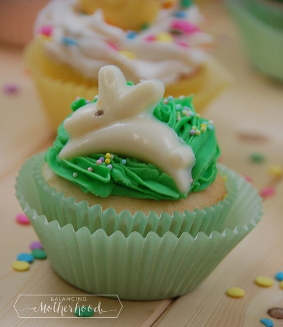 eastercupcakes_rabbit1