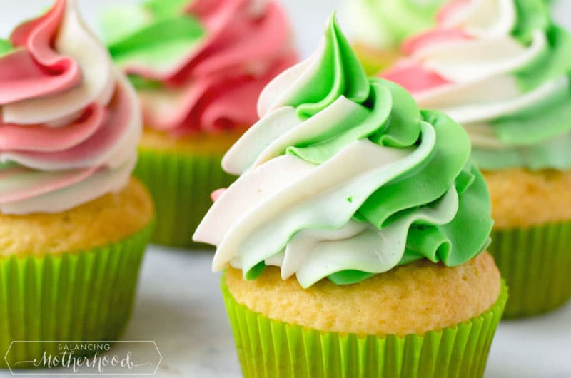 Christmas Cupcakes with frosting