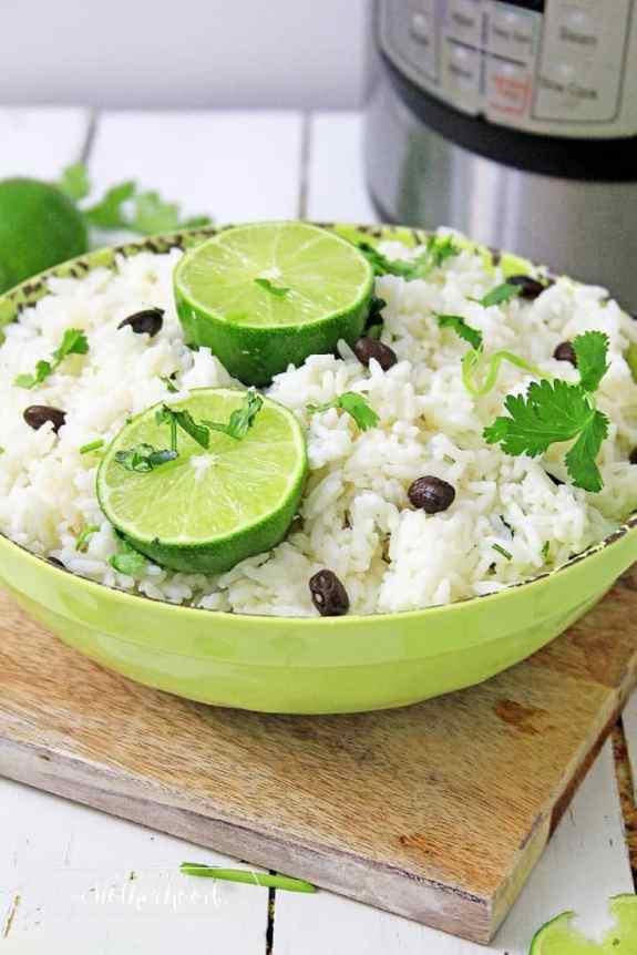Instant pot jasmine rice made in minutes! #jasmintrice #instantpot #rice #cilantro