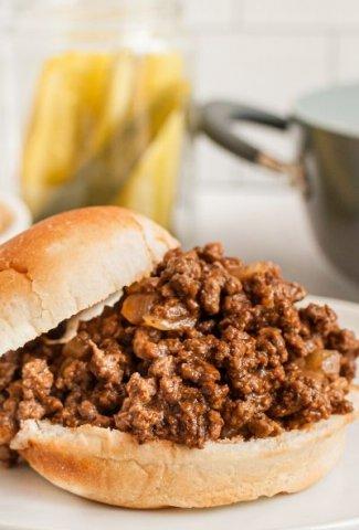 sloppy joe meat on burger bun