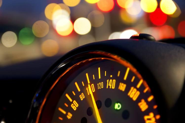 como funciona o velocimetro velocidade máxima