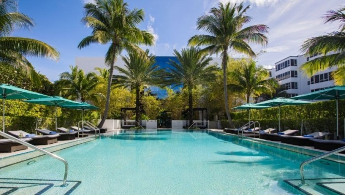 Kimpton Tideline Ocean Resort pool