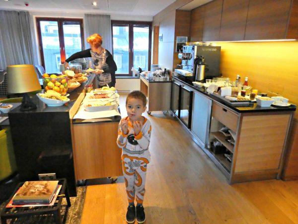 Hilton Stockholm Slussen Executive Lounge breakfast