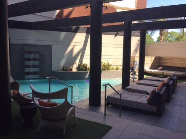 hotel derek review