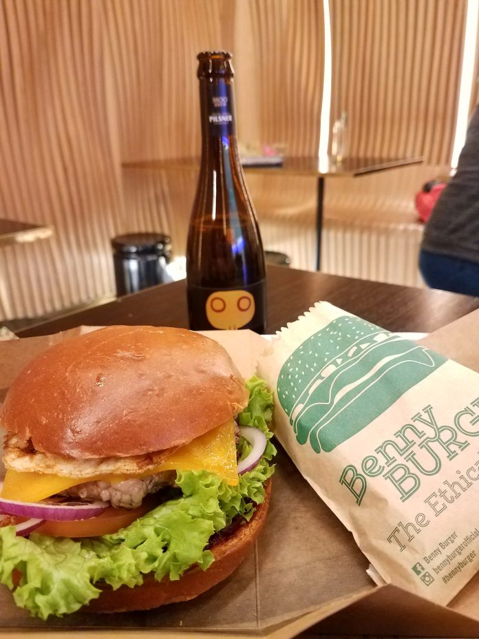 5 things people don't tell you about Sydney before traveling Benny Burger Sydney Airport
