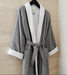 Kimpton robe