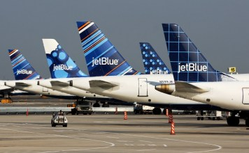 JetBlue tailfins blueberries